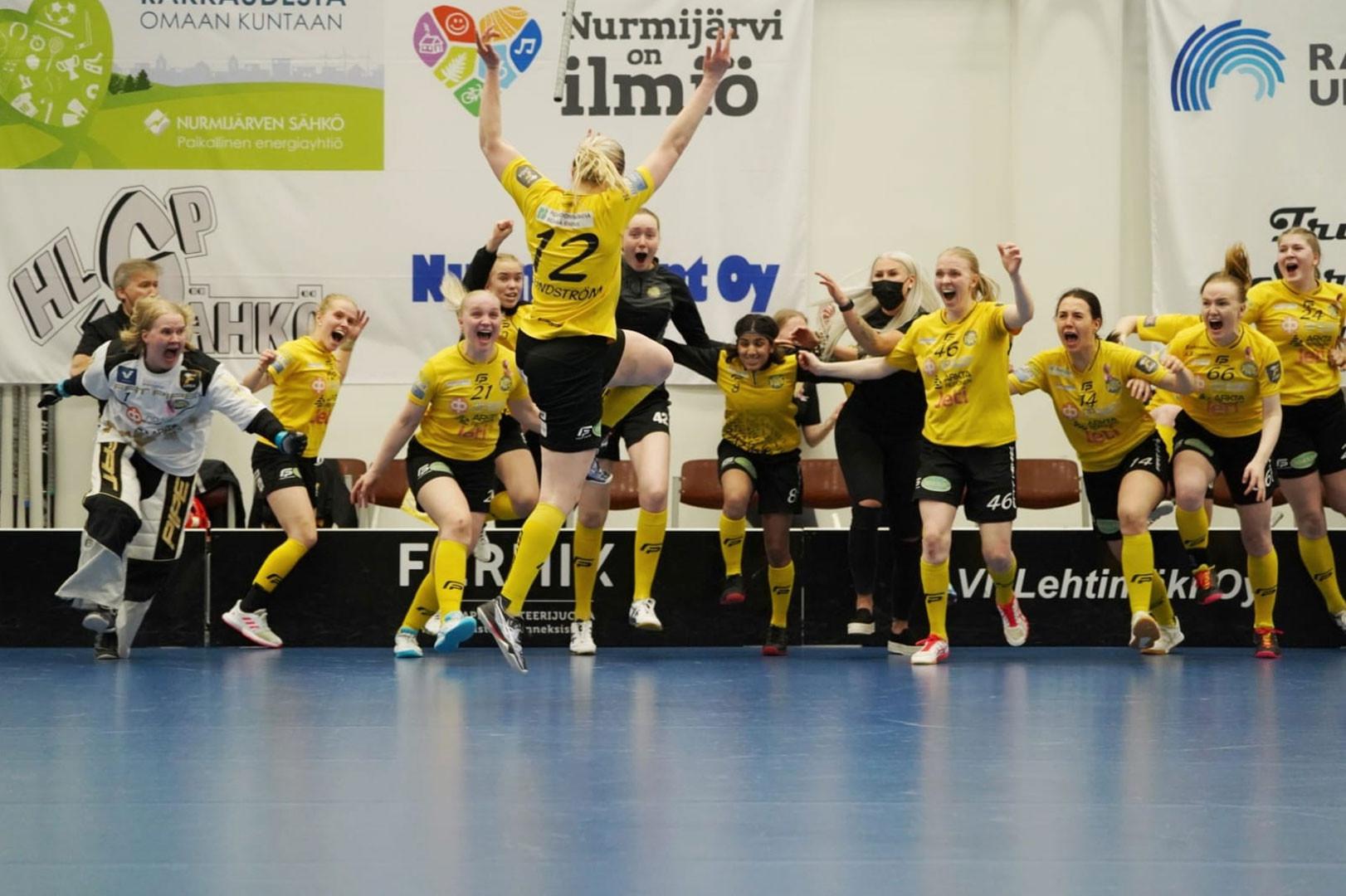 PSS freut sich über den gewonnenen finnischen Meistertitel in der F-Liiga
